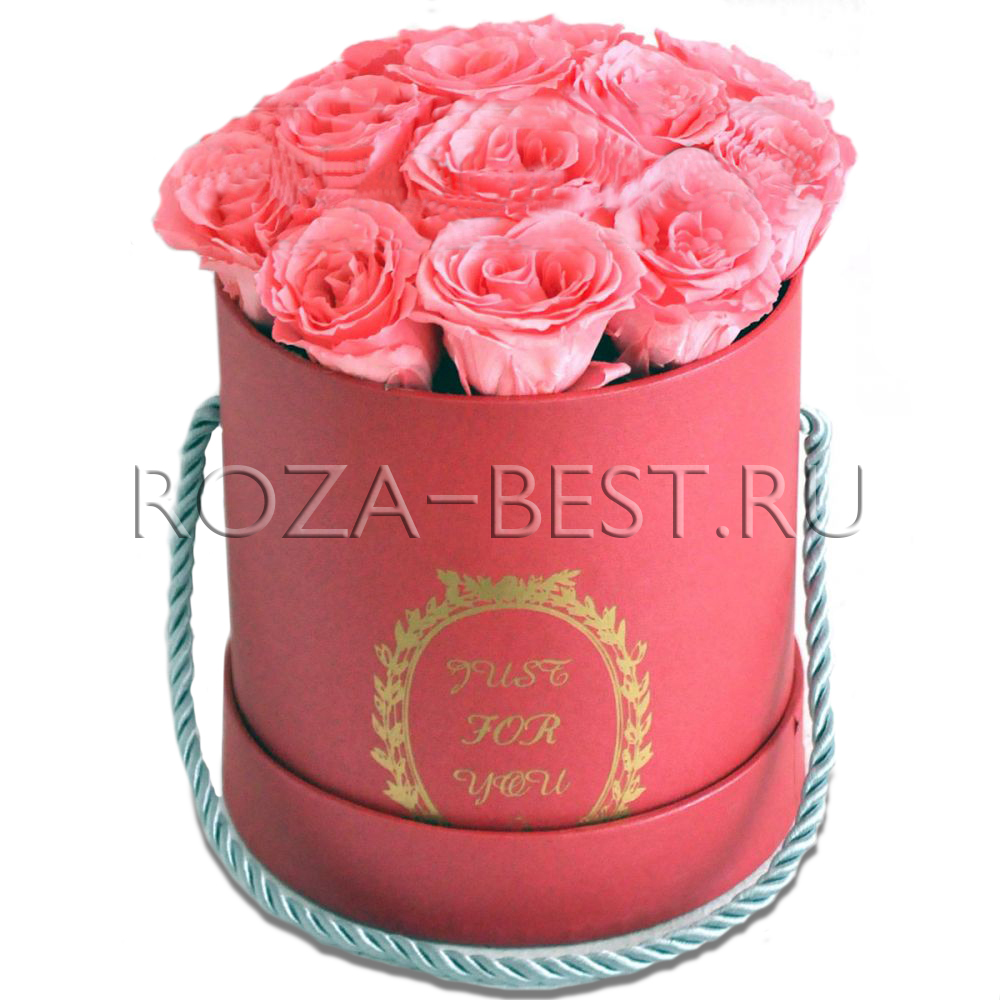 Букет роз в шляпной коробке купить в Москве